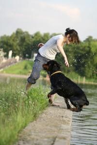 Mit dem Rottweiler am See